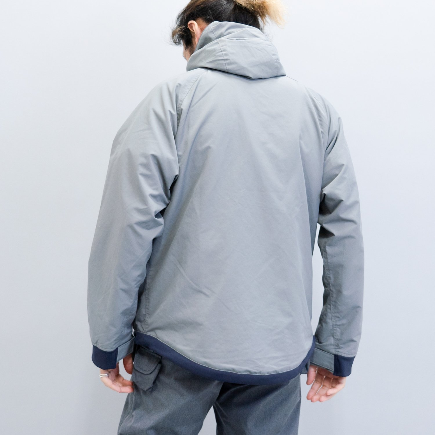 Mountain Reseach * CANOE JKT * Gray