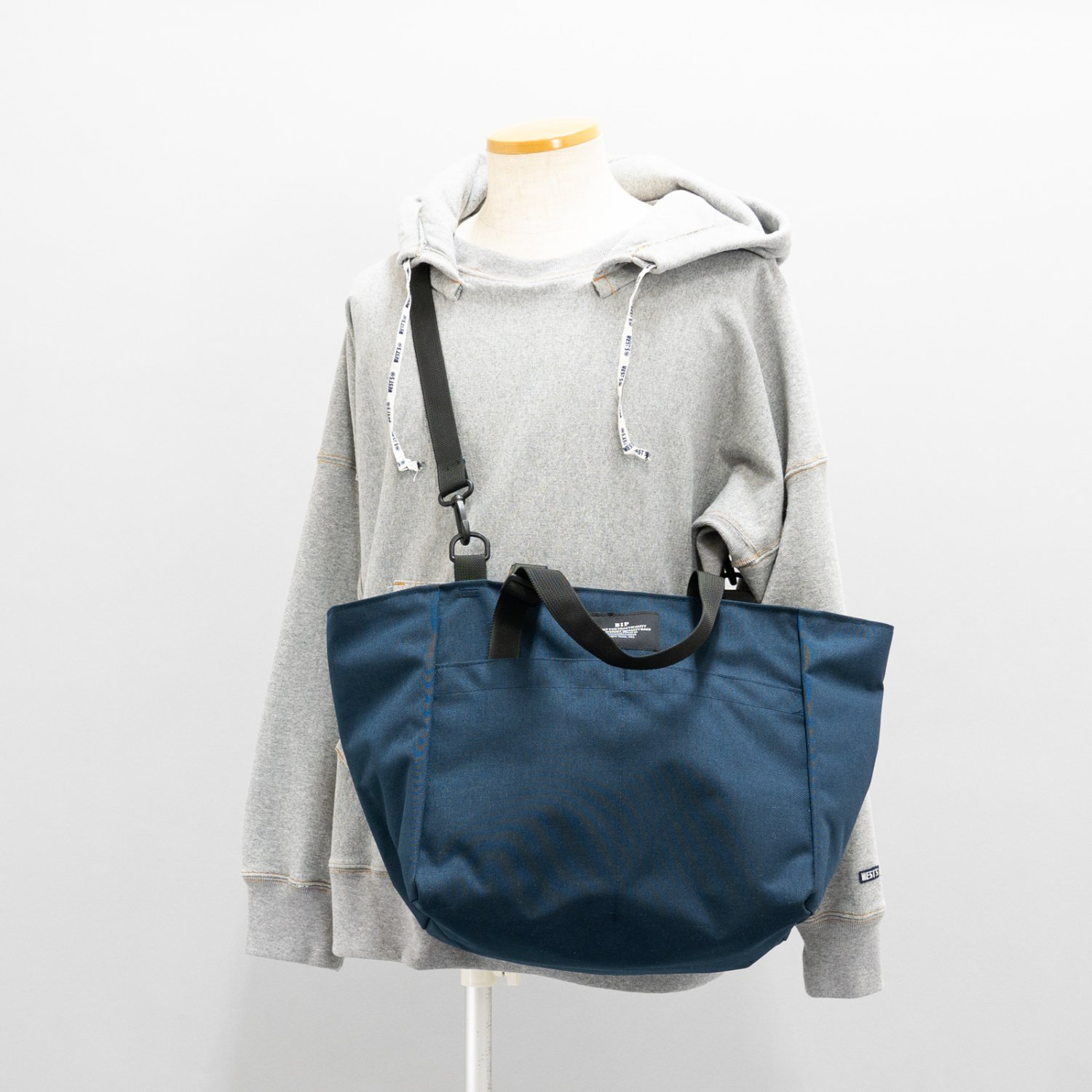 BAGSINPROGRESS * CARRY-ON SHOULDER TOTE NYLON CANVAS(2色展開)