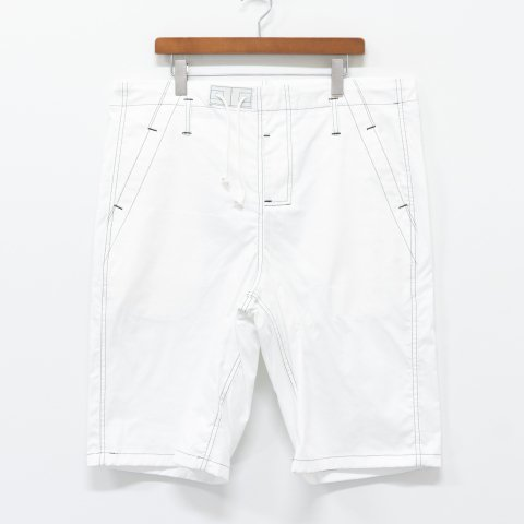 TUKI * 0132 Big Shorts * White