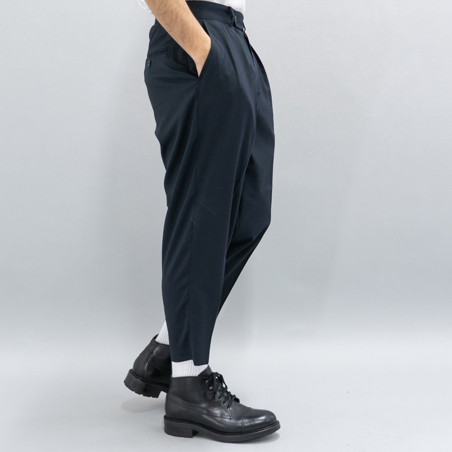 RICHFIELD * Wool Wide Tapered Easy Trousers * Navy