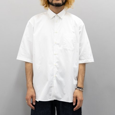 INDIVIDUALIZED SHIRTS for public *  Broad Half Sleeve Shirt * White