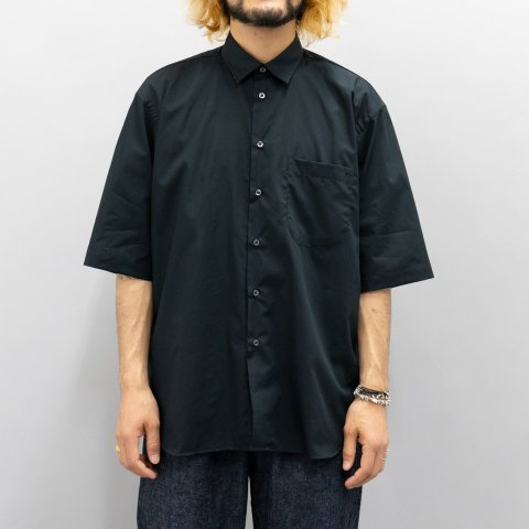 INDIVIDUALIZED SHIRTS for public *  Broad Half Sleeve Shirt * Black