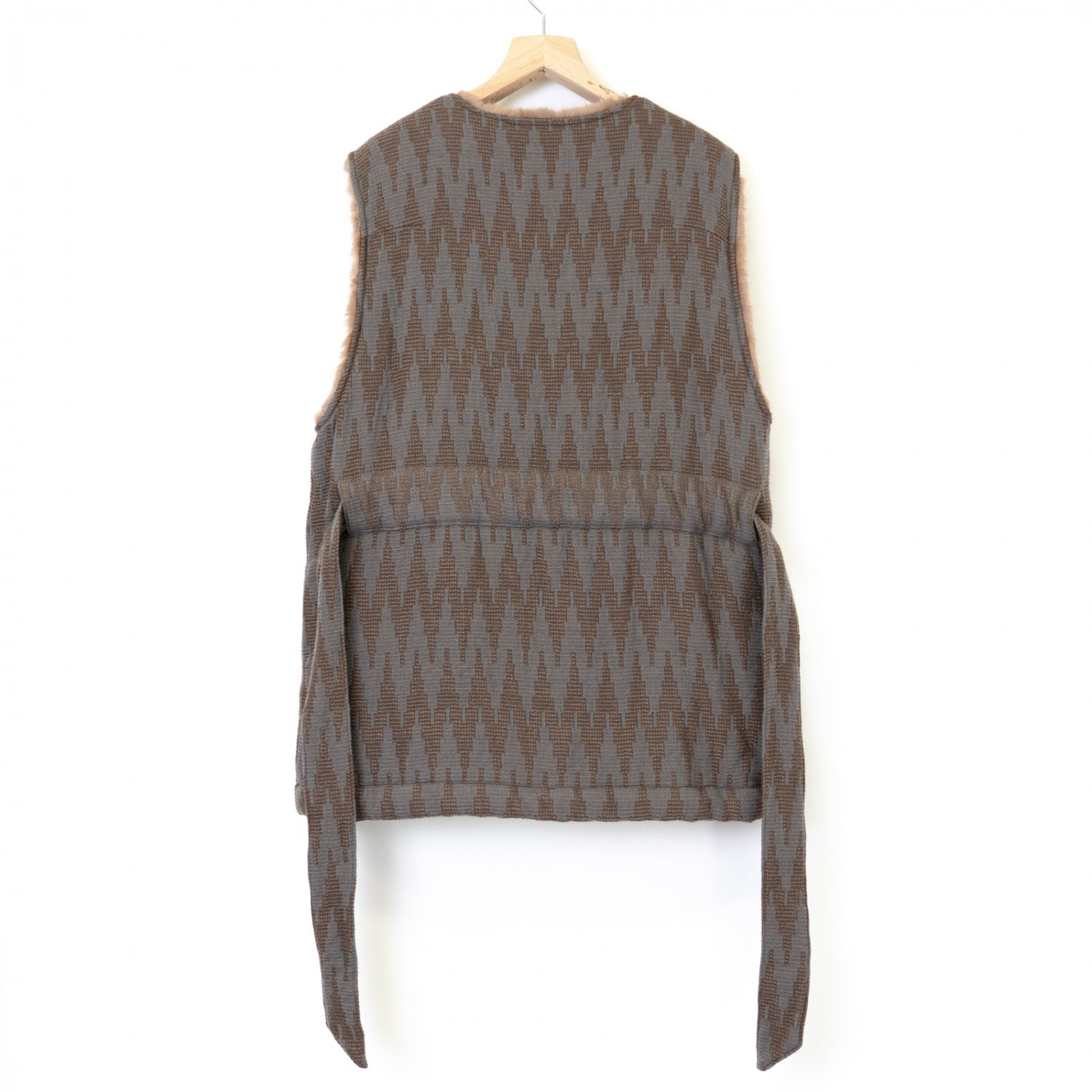 ts(s) * Roving Yarn Wool Zigzag Jaquard Cloth Boa Lined Belted Vest * Beige/Gray