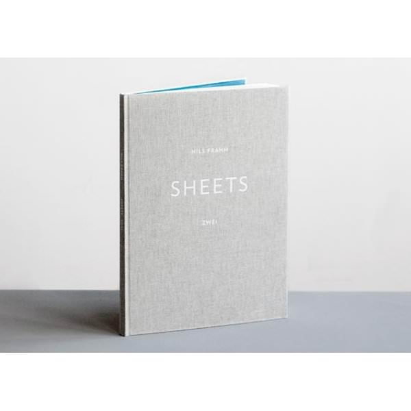 NILS FRAHM / Sheets - Zwei (Book+DL) - sleeve image