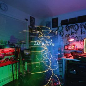 AMULETS / Between Distant And Remote (LP) - sleeve image
