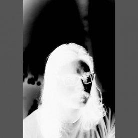RAMA PARWATA / Tekanan (Cassette) - sleeve image