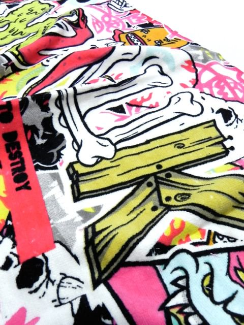 [MISHKA] MISHKA COLLAGE TOWEL2