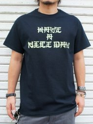 M/crew neck t-shirts (Japanese have a nice day) (black×highlight yellow)<img class='new_mark_img2' src='//img.shop-pro.jp/img/new/icons1.gif' style='border:none;display:inline;margin:0px;padding:0px;width:auto;' />