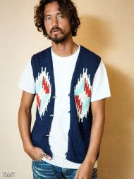 TMT2018SS/NATIVE INTERSIA PERUVIAN HAND-KNIT VEST(NAVY)<img class='new_mark_img2' src='https://img.shop-pro.jp/img/new/icons50.gif' style='border:none;display:inline;margin:0px;padding:0px;width:auto;' />