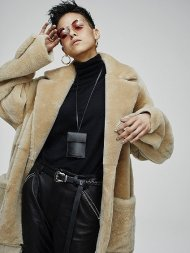 FORSOMEONE先行予約/FUR ROBE COAT<img class='new_mark_img2' src='https://img.shop-pro.jp/img/new/icons50.gif' style='border:none;display:inline;margin:0px;padding:0px;width:auto;' />