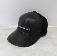 FORSOMEONE/LOGO LEATHER CAP<img class='new_mark_img2' src='//img.shop-pro.jp/img/new/icons1.gif' style='border:none;display:inline;margin:0px;padding:0px;width:auto;' />