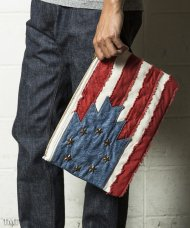 TMT2018AW/NATIVE U.S FLAG CLUTCH BAG(RED)<img class='new_mark_img2' src='https://img.shop-pro.jp/img/new/icons50.gif' style='border:none;display:inline;margin:0px;padding:0px;width:auto;' />