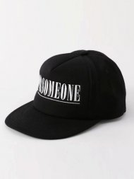 FORSOMEONE/LOGO CAP<img class='new_mark_img2' src='https://img.shop-pro.jp/img/new/icons1.gif' style='border:none;display:inline;margin:0px;padding:0px;width:auto;' />