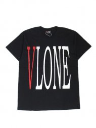 VLONE/LOGO SS TEE(BLACK)バックプリント外<img class='new_mark_img2' src='https://img.shop-pro.jp/img/new/icons1.gif' style='border:none;display:inline;margin:0px;padding:0px;width:auto;' />