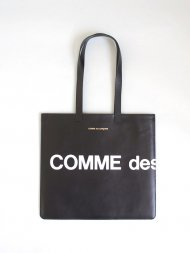 COMME des GARCONS/HUGE LOGO TOTE BAG<img class='new_mark_img2' src='https://img.shop-pro.jp/img/new/icons24.gif' style='border:none;display:inline;margin:0px;padding:0px;width:auto;' />