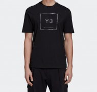 Y-3 U REFLECTIVE SQUARE LOGO SS TEE<img class='new_mark_img2' src='https://img.shop-pro.jp/img/new/icons1.gif' style='border:none;display:inline;margin:0px;padding:0px;width:auto;' />