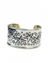 1.5 inch Multi Sheriff Star Cuff<img class='new_mark_img2' src='//img.shop-pro.jp/img/new/icons50.gif' style='border:none;display:inline;margin:0px;padding:0px;width:auto;' />