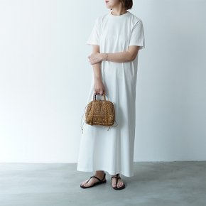 <img class='new_mark_img1' src='https://img.shop-pro.jp/img/new/icons38.gif' style='border:none;display:inline;margin:0px;padding:0px;width:auto;' />AURALEE/ORGANIC COTTON COMPACT JERSEY ONE PIECE