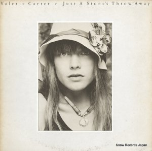 バレリー・カーター - just a stone's throw away - PC34155