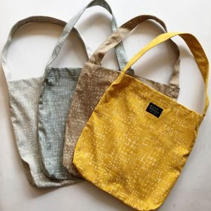 【BIRDS' WORDS】PATTERNED TOTE