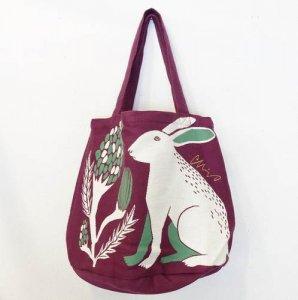 【moritaMiw】トートバッグ「平原の花のウサギたち」