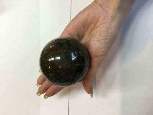 マダガスカル産!魂に働きかける石。ラブラドライト a-100