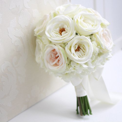 アーティフィシャルフラワー(造花)のカップ咲きローズのクラッチブーケ(白)_airaka