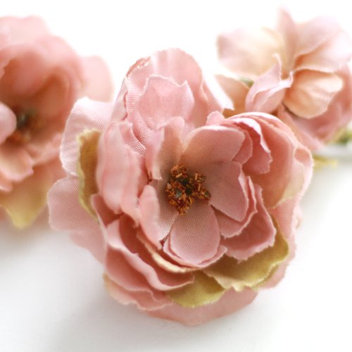 アーティフィシャルフラワー(造花)のフリルローズの髪飾り(ピンク)画像_airaka