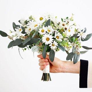 アーティフィシャルフラワー(造花)のデイジーのクラッチブーケ画像_airaka