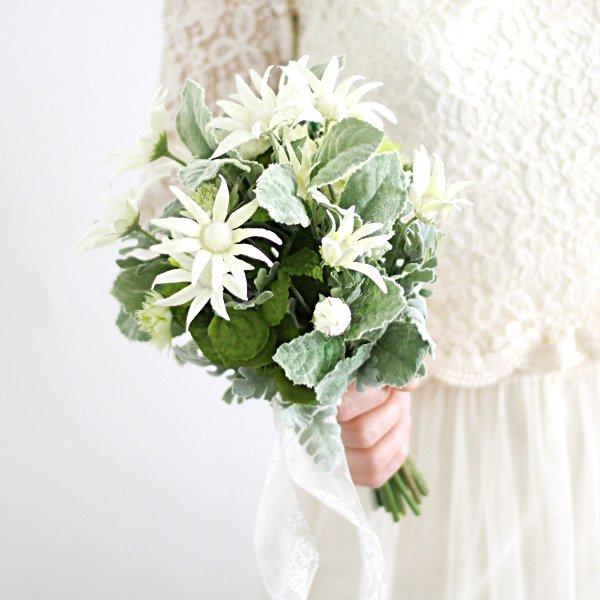 アーティフィシャルフラワー(造花)のフランネルのクラッチブーケ画像_airaka
