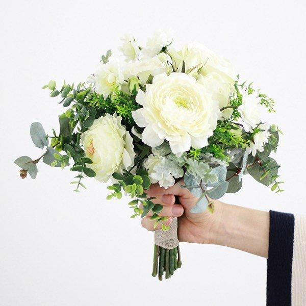 アーティフィシャルフラワー(造花)のバラとラナンキュラスのホワイトグリーンブーケ画像_airaka