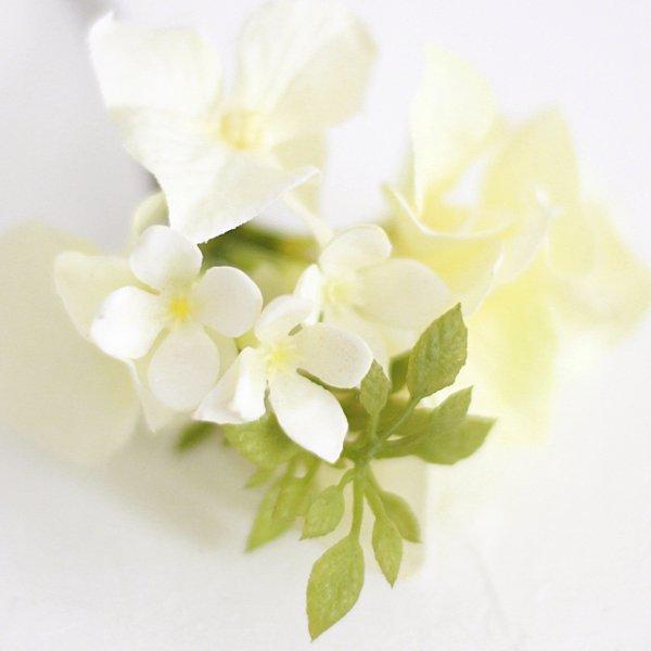 アーティフィシャルフラワー(造花)のピュアローズの髪飾り(白)画像_airaka