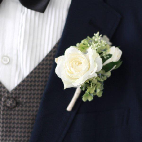アーティフィシャルフラワー(造花)のバラとシルバーリーフのクラッチブーケ(白)_airaka