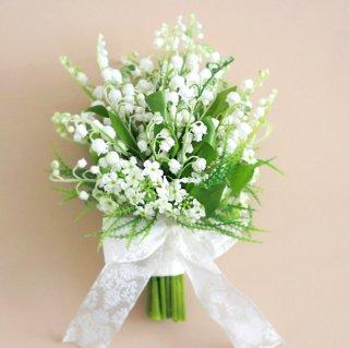 アーティフィシャルフラワー(造花)のすずらんのクラッチブーケと花冠のセット画像_airaka