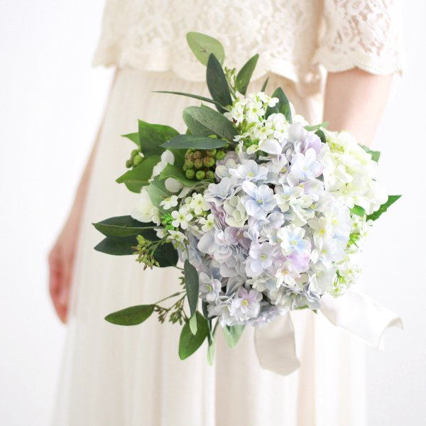 アーティフィシャルフラワー(造花)の紫陽花のクラッチブーケと髪飾りのセット(青)_airaka