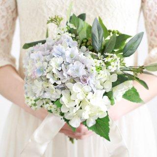 紫陽花のクラッチブーケと髪飾りのセット(青)画像_airaka
