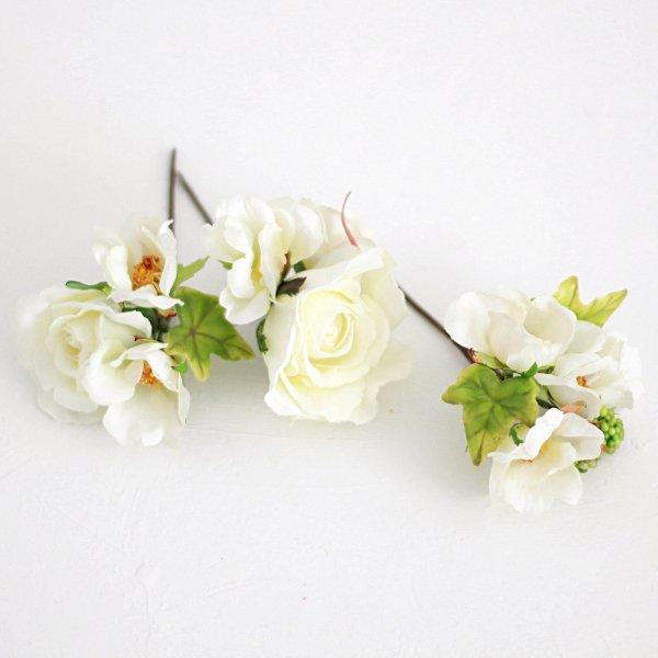 アーティフィシャルフラワー(造花)のガーデンローズの髪飾り(白)画像_airaka
