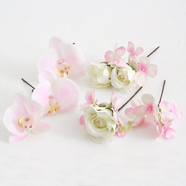 アーティフィシャルフラワー(造花)の胡蝶蘭とバラの髪飾り(ピンク)_airaka