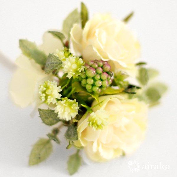 アーティフィシャルフラワー(造花)のガーベラの髪飾り(白)画像_airaka