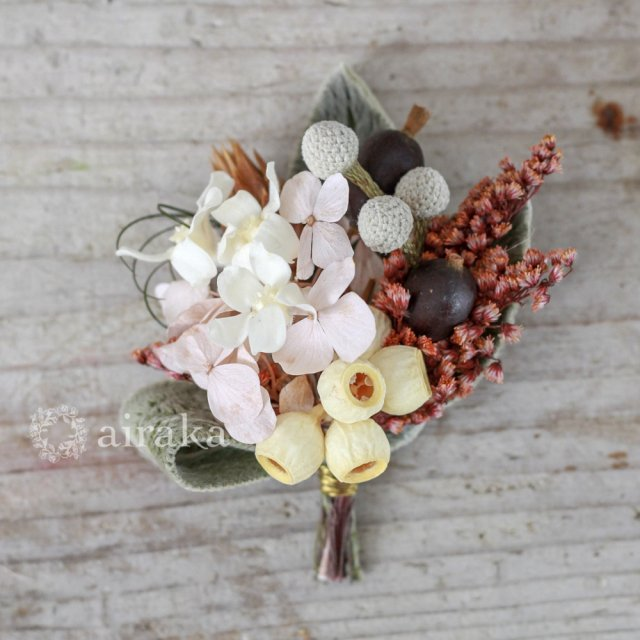 アーティフィシャルフラワー(造花)のコサージュ/ミニブーケ(ピンク)画像_airaka