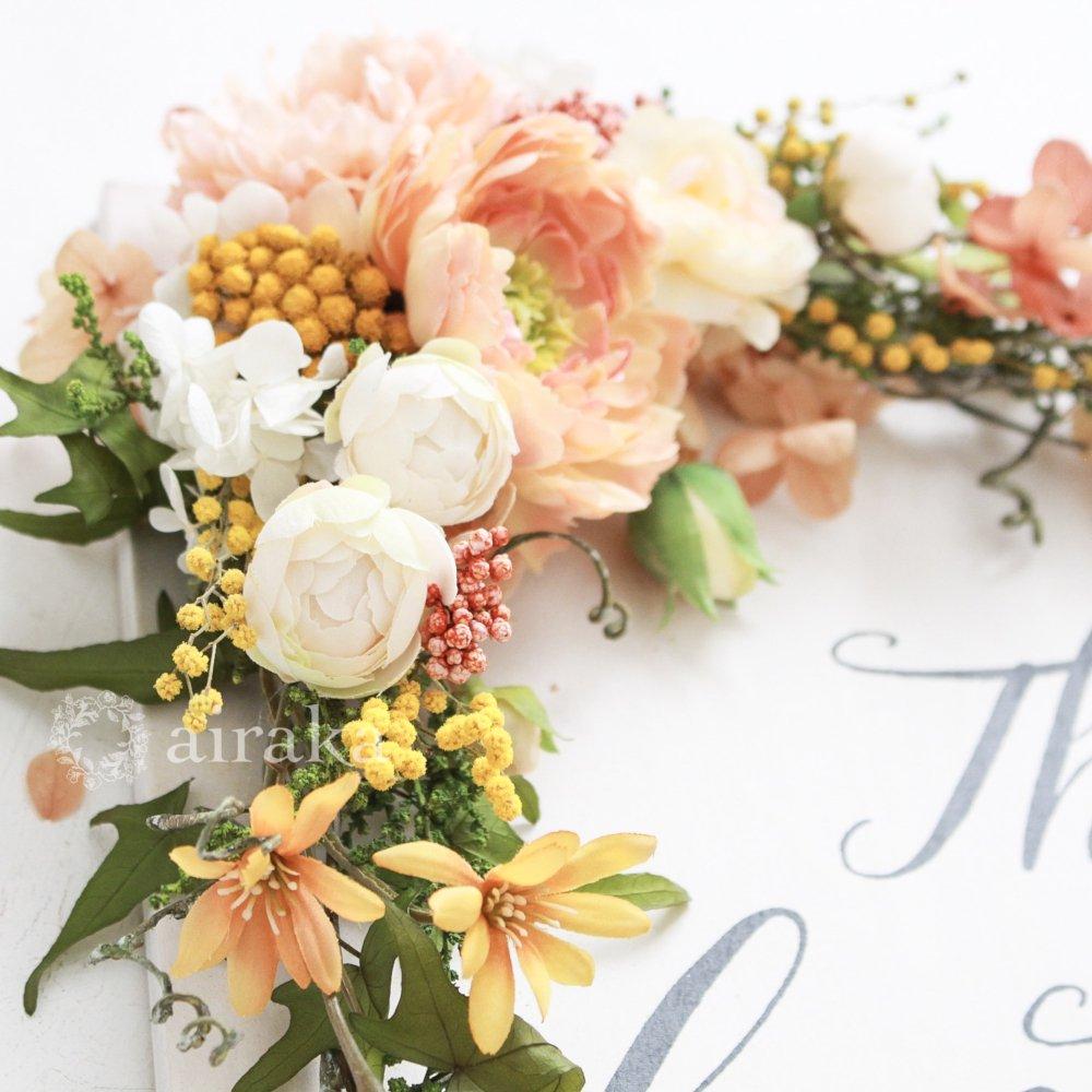 アーティフィシャルフラワー(造花)のウェルカムボード/花飾り付き木製ボード/ガーデンパーティー×ホワイト画像_airaka