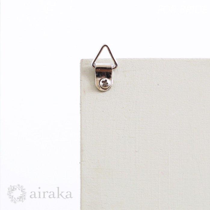 アーティフィシャルフラワー(造花)のご両親贈呈品/リース付き木製ボード/ハーバル×ホワイト画像_airaka