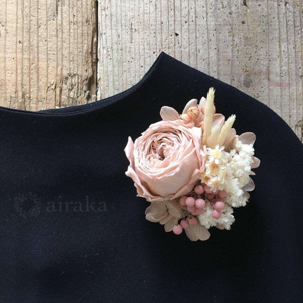 アーティフィシャルフラワー(造花)のコサージュ/ガーデンローズ画像_airaka