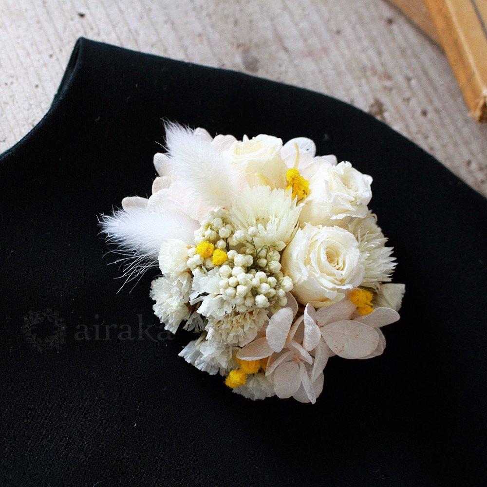 アーティフィシャルフラワー(造花)のコサージュ/ペールブーケ画像_airaka