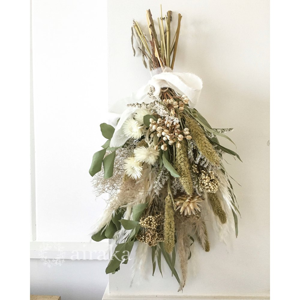 アーティフィシャルフラワー(造花)のスワッグ/ユーカリとシルバーデイジー画像_airaka