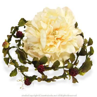 アーティフィシャルフラワー(造花)の芍薬とベリーのラリエット(クリーム)画像_airaka