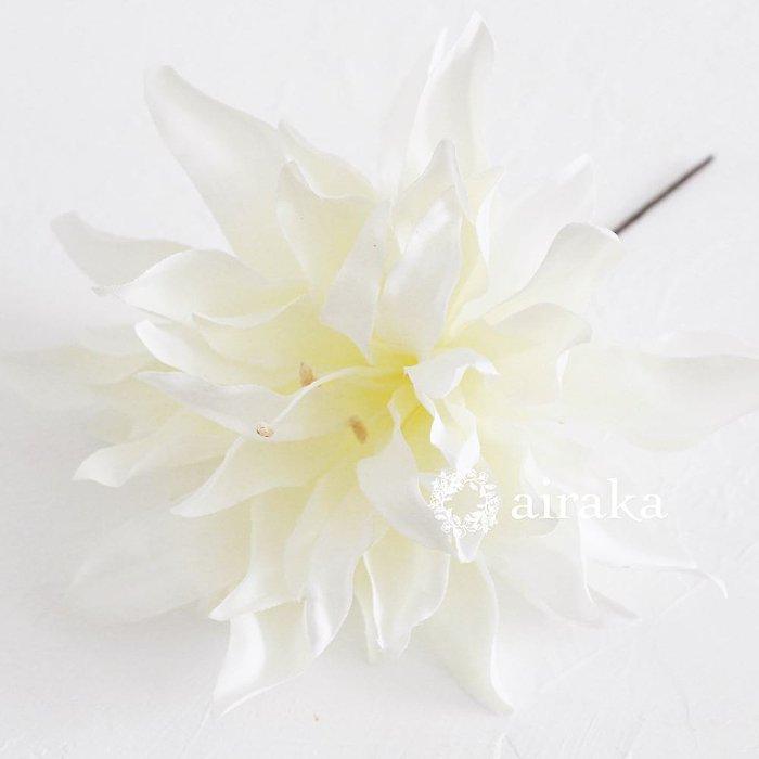 アーティフィシャルフラワー(造花)のリリーの髪飾り画像_airaka