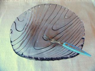 木目調のガラス皿
