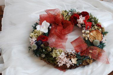 <img class='new_mark_img1' src='https://img.shop-pro.jp/img/new/icons48.gif' style='border:none;display:inline;margin:0px;padding:0px;width:auto;' />Christmas wreath / タータンチェック