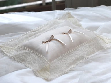Ring pillow D</p>クラシックレース